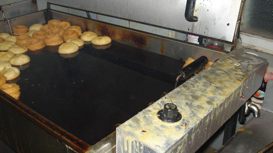 Bäh in der Bäckerei: Hier wurden Krapfen in pechschwarzem Frittier-Fett zubereitet