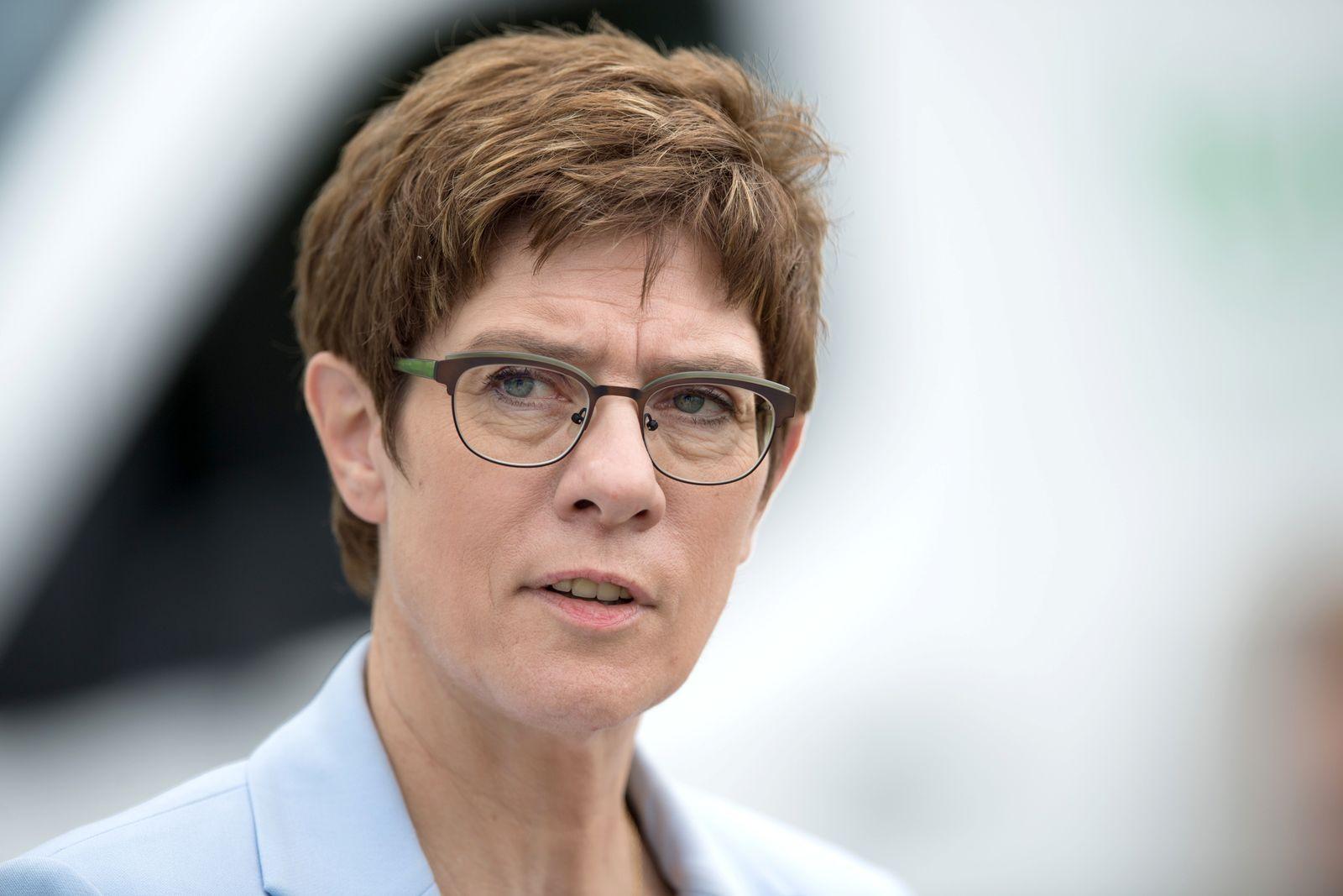 Verteidigungsministerin Kramp-Karrenbauer reist nach Zypern
