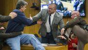Vater attackiert angeklagten US-Teamarzt