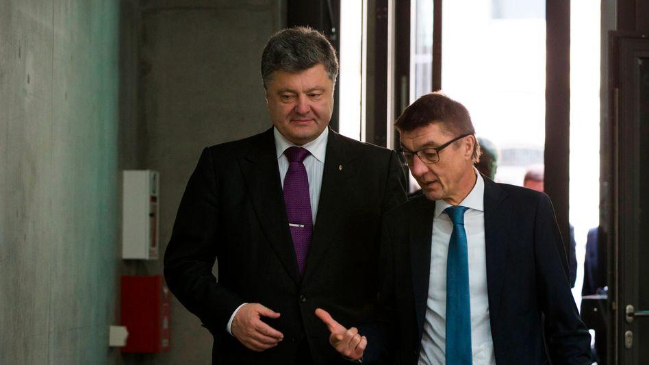 Ukraines Präsident Poroschenko, CDU-Außenpolitiker Schockenhoff: Eine kritische Stimme im Bundestag wird fehlen