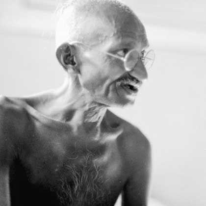 Mohandas Karamchand Gandhi, genannt Mahatma: Gerechte Teilung des Staatsbesitzes zwischen Indien und Pakistan