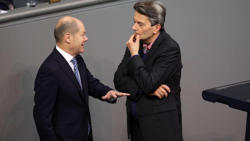 Finanzminister Olaf Scholz, Fraktionschef Rolf Mützenich: Ärger über die Jusos