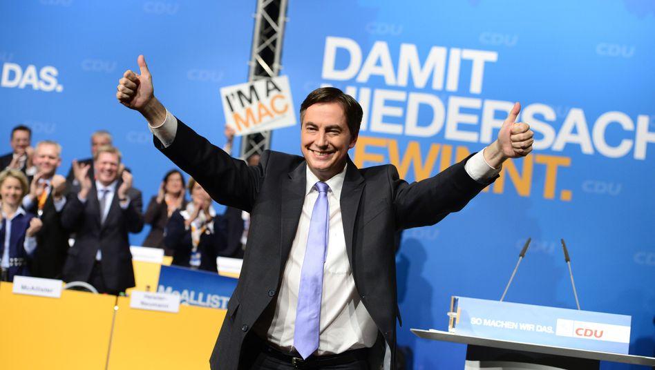 Daumen hoch: David McAllister beim CDU-Landesparteitag in Celle