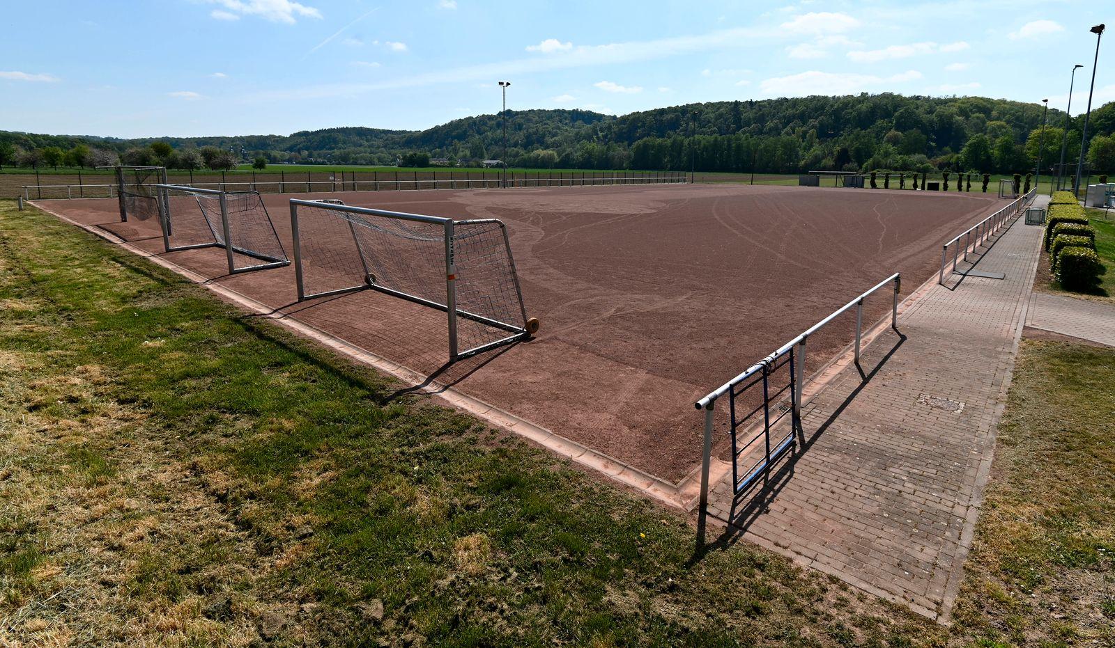 CORONA-PANDEMIE,CORONAVIRUS,COVID-19.Der Deutsche Amateur-Fussball steht auf unbestimmte Zeit still.Der Spiel-und Traini