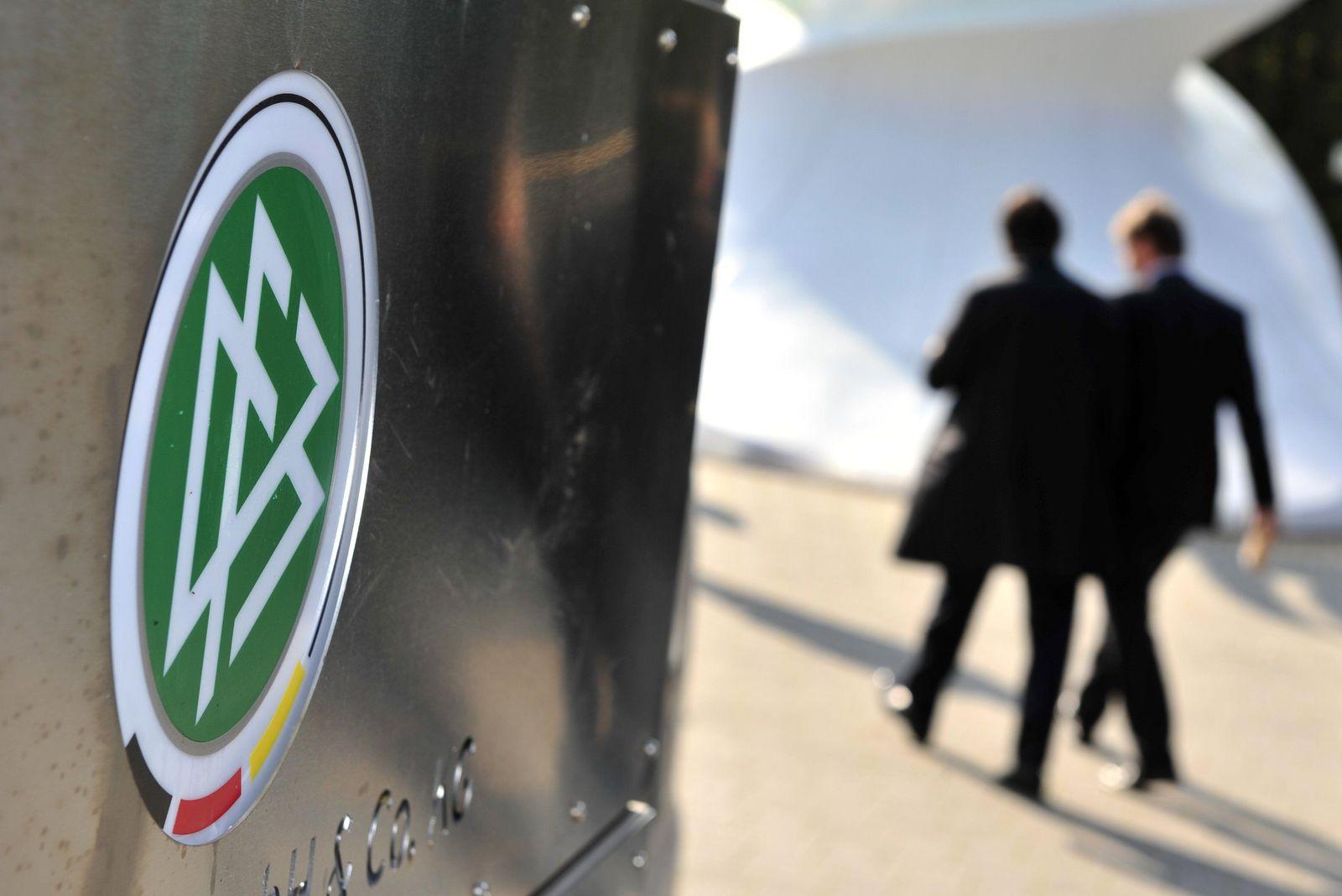 Steuerfahnder durchsuchen DFB-Zentrale