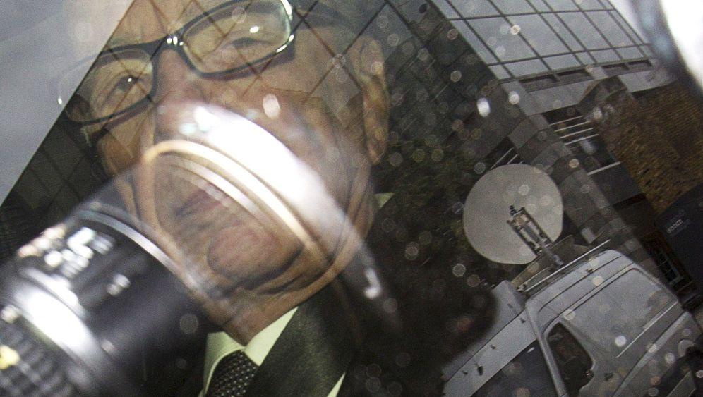 Photo Gallery: Murdoch Under Pressure
