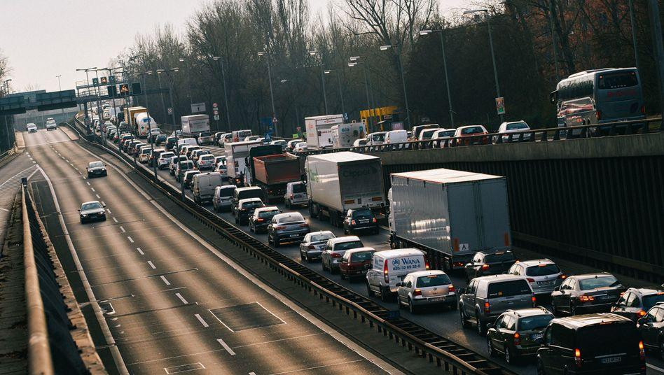 Stau auf der Berliner Stadtautobahn (Archivbild)