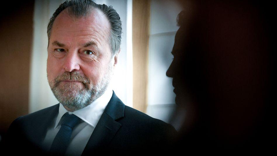 """Clemens Tönnies ist seit 2001 Vorsitzender des Aufsichtsrats beim FC Schalke 04: """"Mir geht es um Afrika"""""""