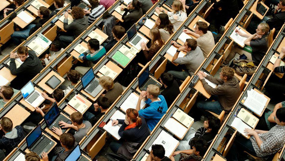 Generation Klappcomputer: Online-Abstimmungen mit Studenten im Hörsaal