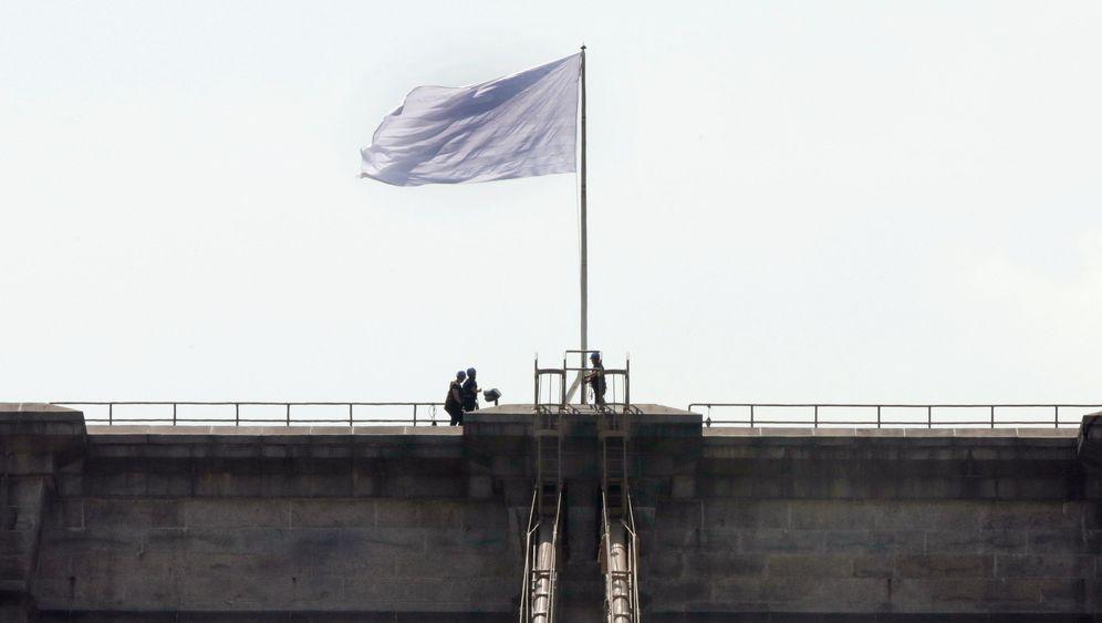 Brooklyn Bridge: Ungeplanter Flaggenwechsel
