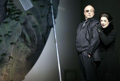Struckmann als Wotan und Piland als Fricka: Boulevard-Theater mit Gesang