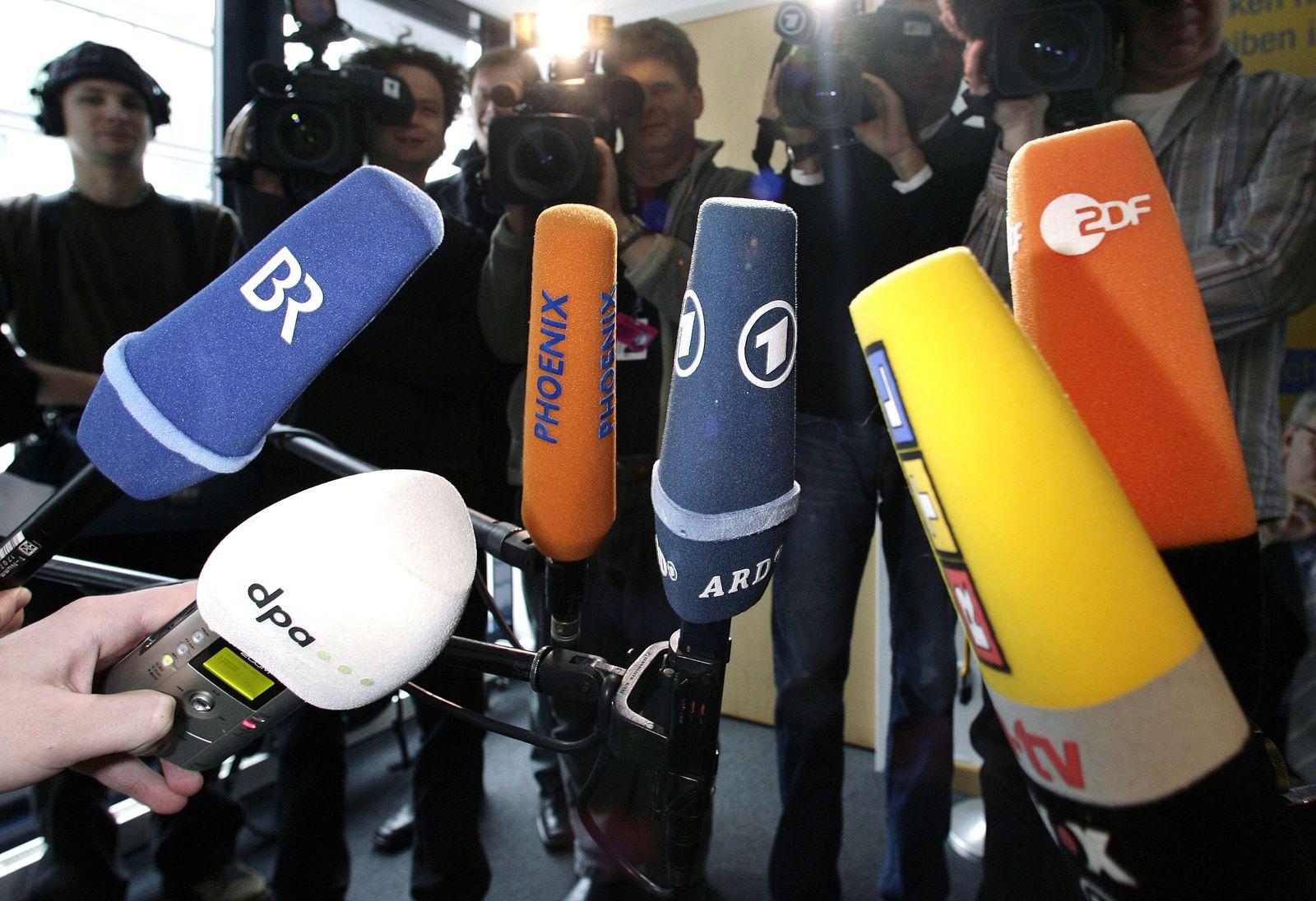 Fernsehsender/ Mikrofone