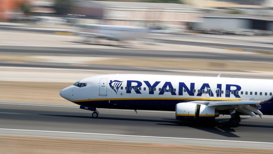 """Eine Boeing 737-800 von Ryanair bei der Landung: """"Der heutige Artikel ist Schrott"""""""