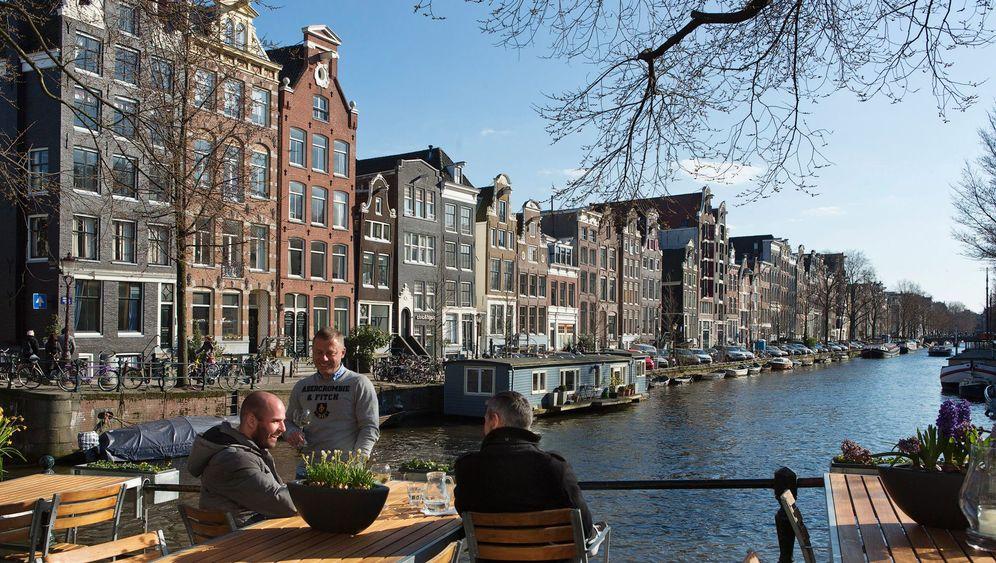 Schwules Amsterdam: Zwischen Versteckspiel und Exhibitionismus