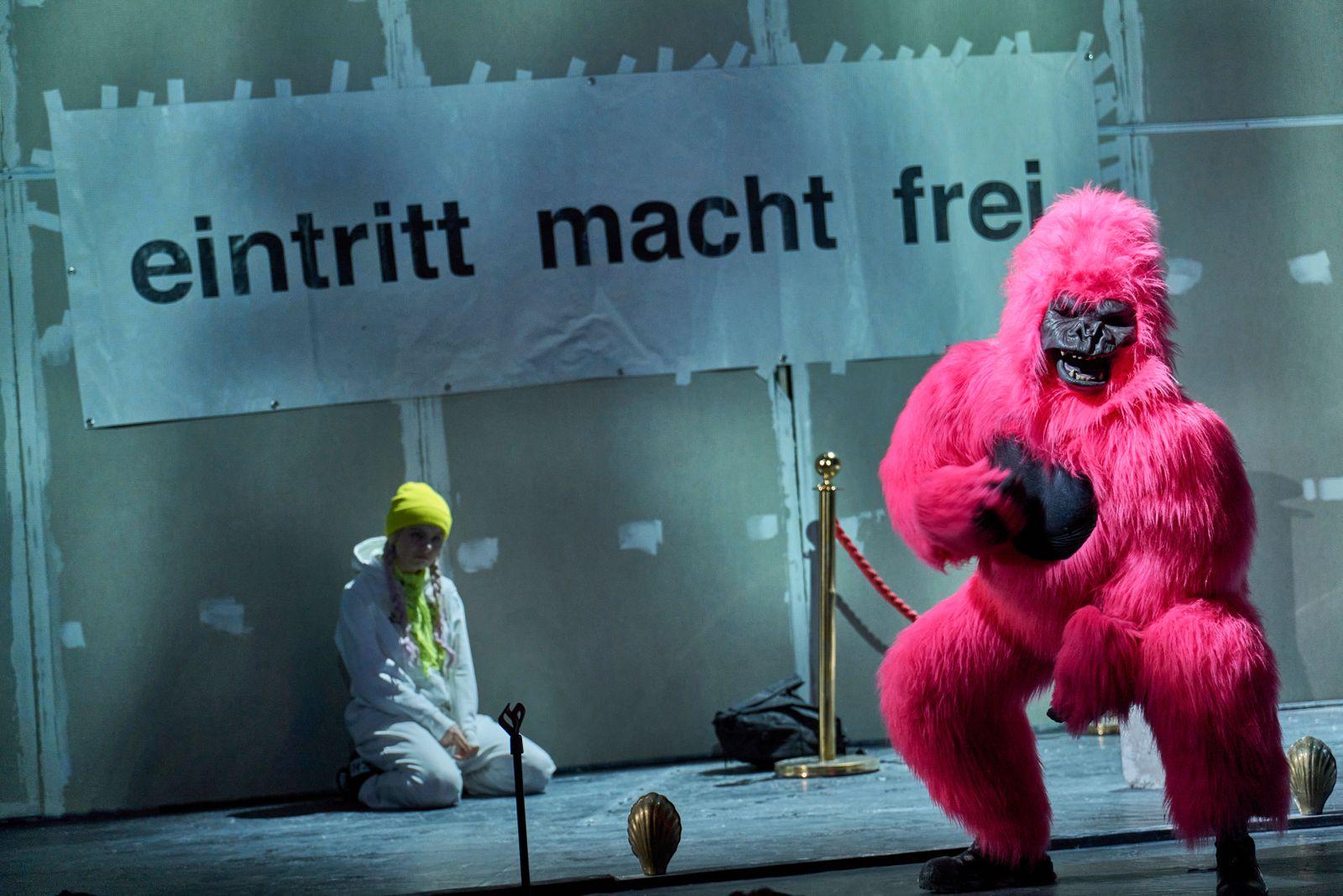Theater/ Schwarzwasser