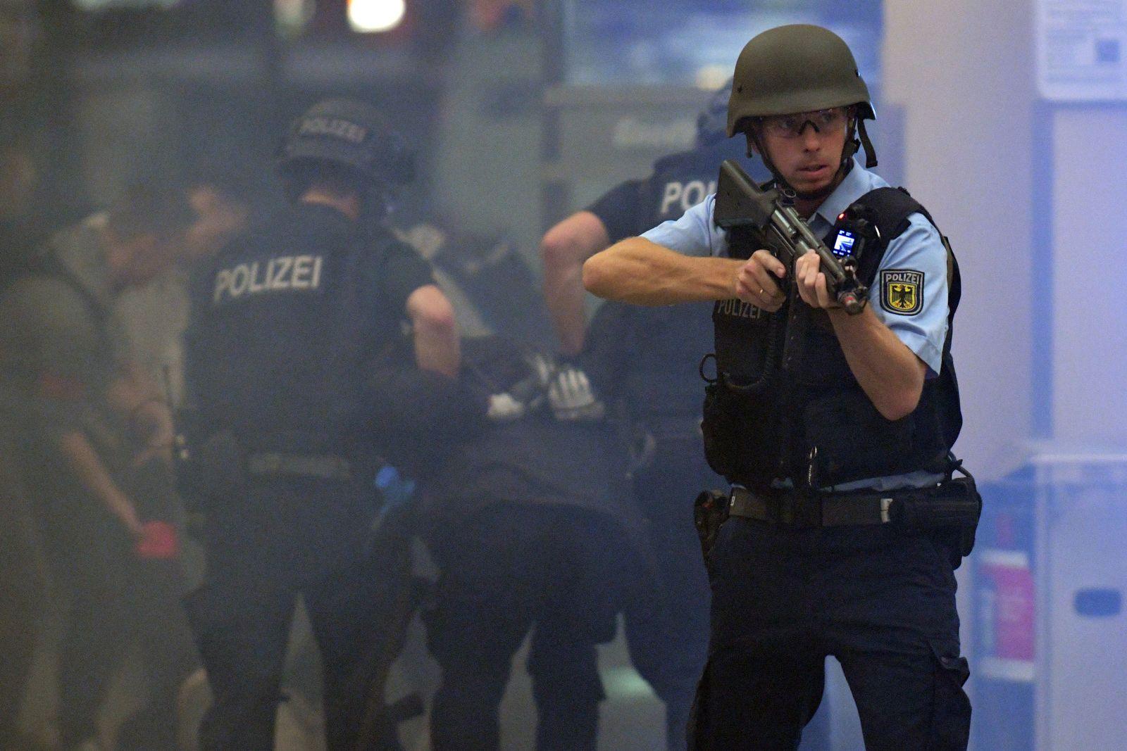 Anti-Terror-Übung am Hauptbahnhof Bremen