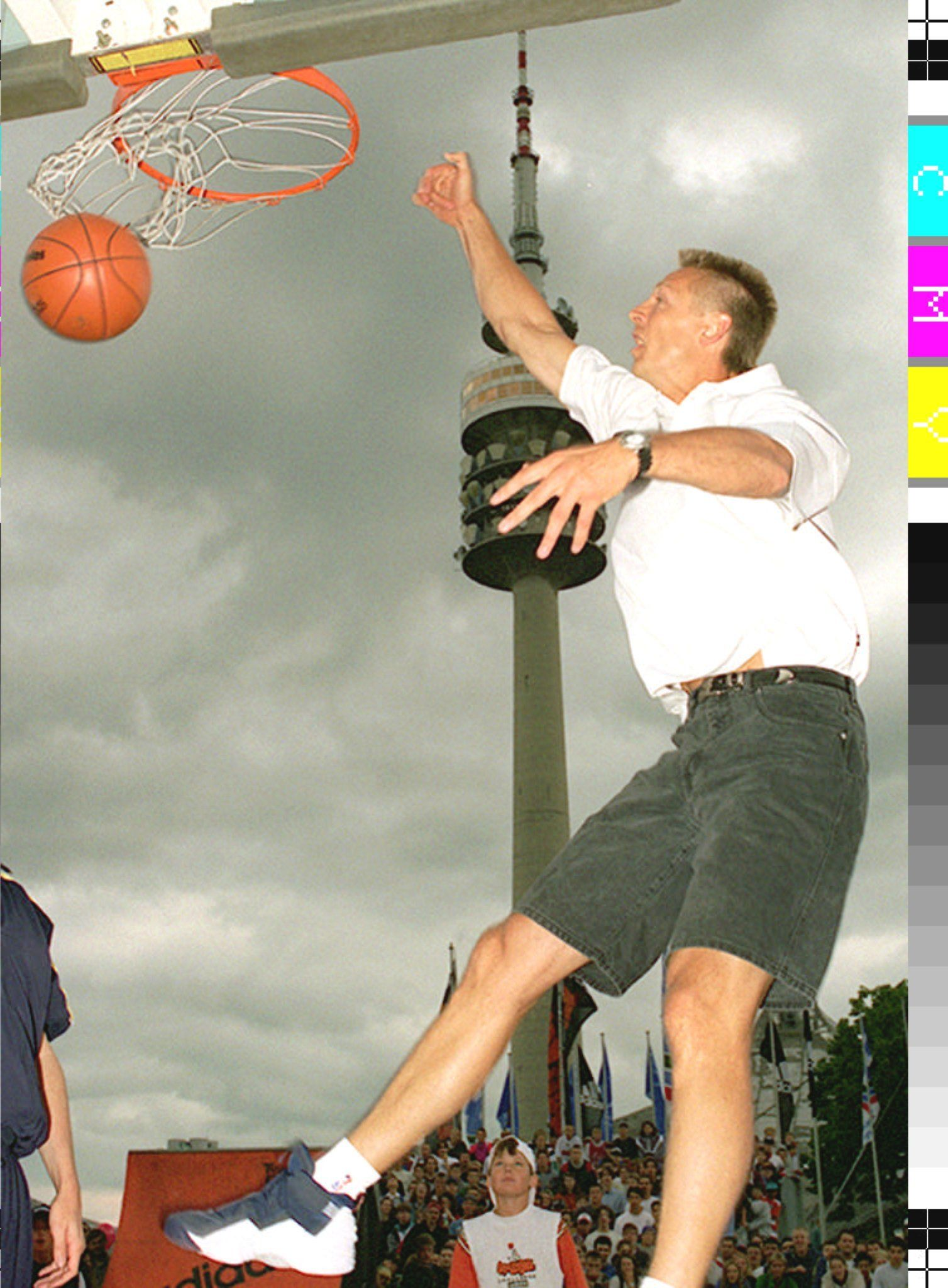 Dirk Nowitzki: Basketball Legende verkündet Karriereende in