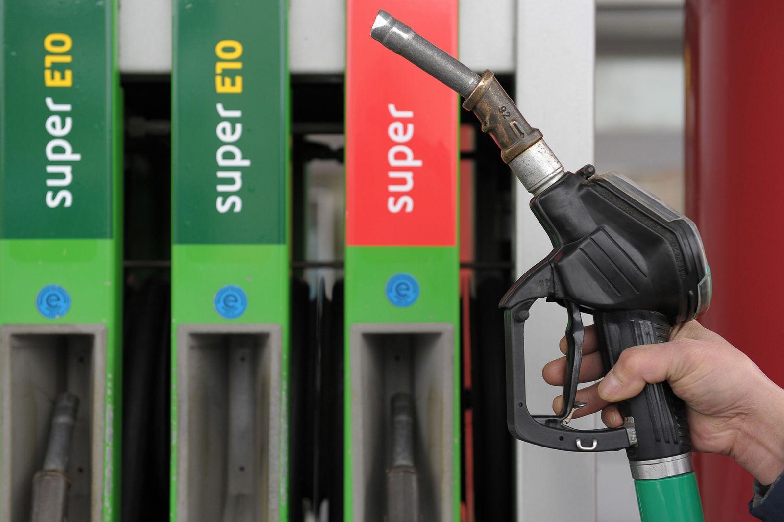 Benzinpreis Spiegel