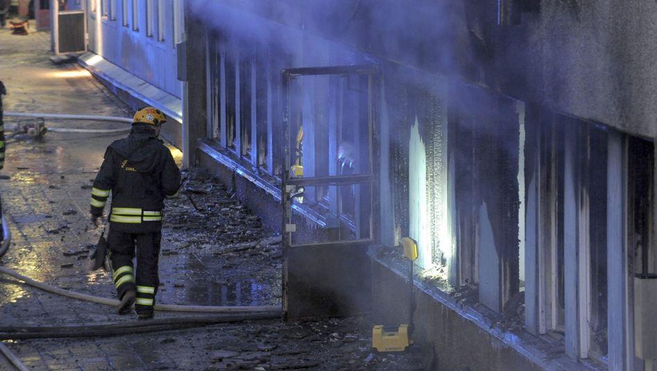 """Feuerwehr am Tatort in Eskilstuna: """"Ein Zeuge sah, wie jemand einen Gegenstand durch das Fenster warf"""""""
