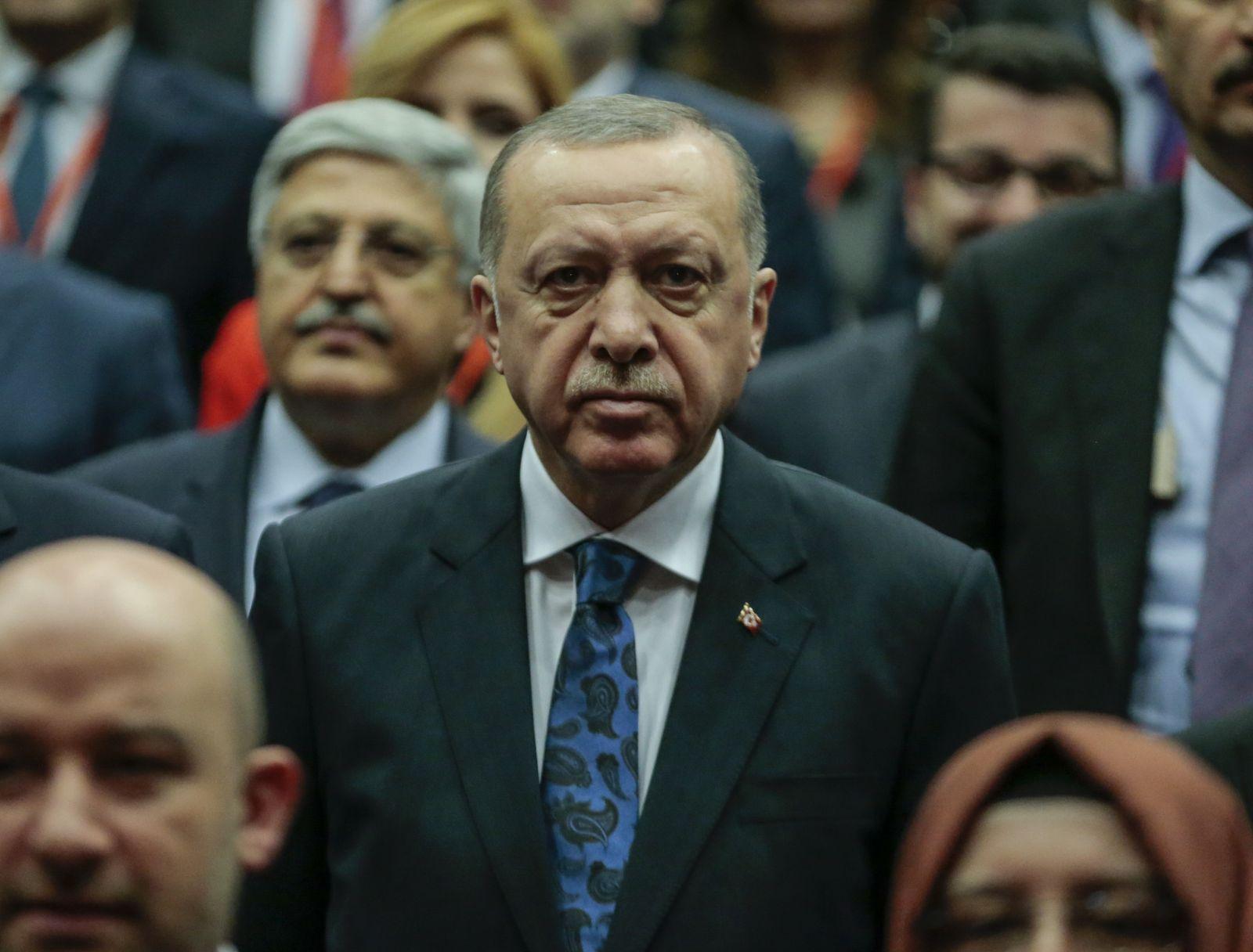 AUFMACHER/ EINMALIGE VERWENDUNG/ Expiren zum 02.01.2025/ Erdoğans mieses Spiel mit den Flüchtlingen 70