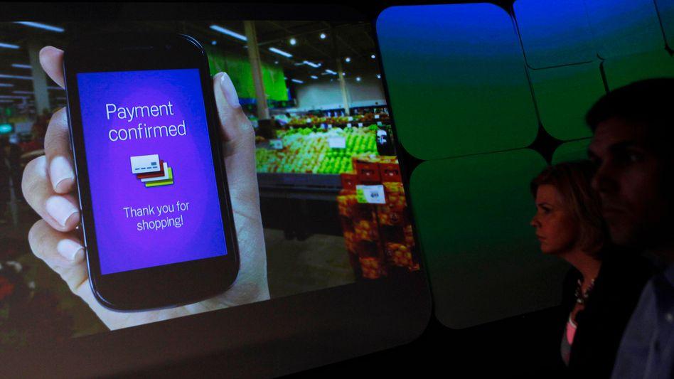 Google-Werbung für Smartphone-Bezahldienst: Nun verschenkt der Konzern eine eigene Geldkarte