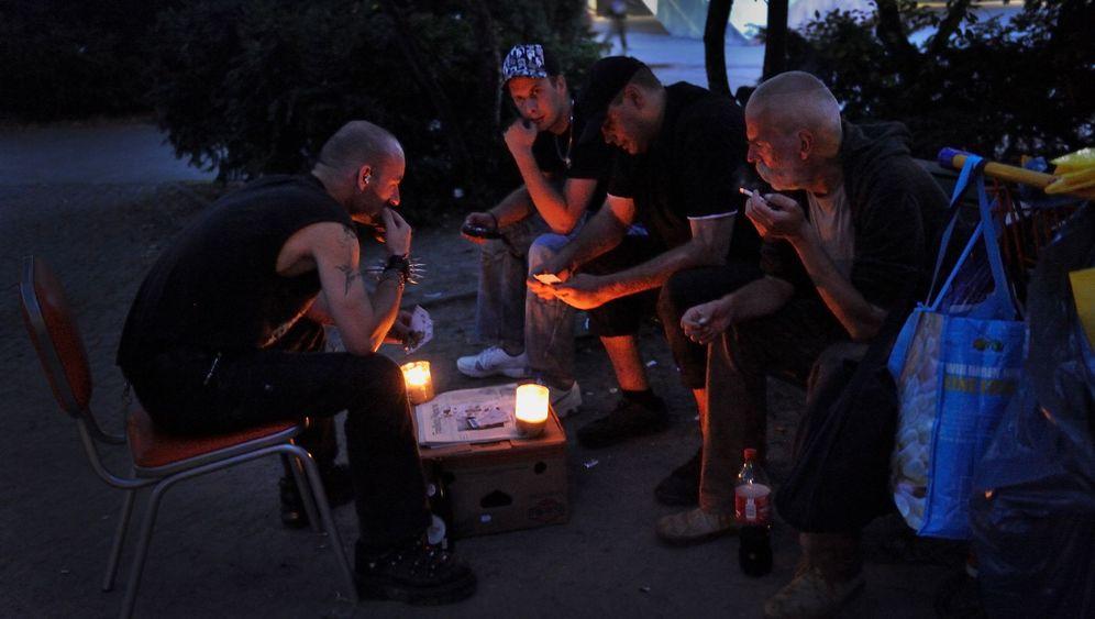 """Punks auf dem Alex: """"In die dunkle Seele des Lebens geblickt"""""""
