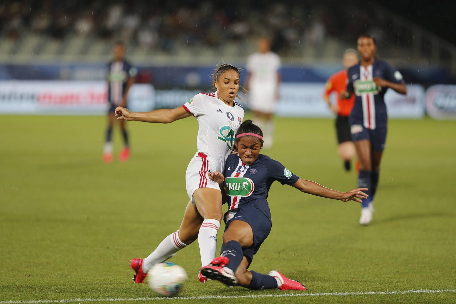 Fußball, Damen, Pokalfinale Frankreich, Paris St. Germain - Olympique Lyon (PSG) Ashley Lawrence (OL) Delphine Cascarino