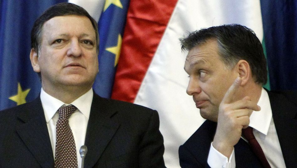 European Commission President Barroso with Hungarian Prime Minister Orbán in 2011.