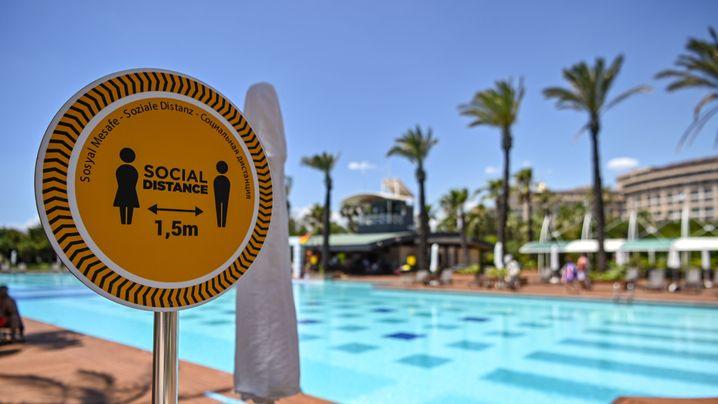 Pool leer, Strand verwaist - der Türkei fehlen die Urlauber