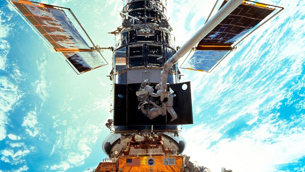 raumfahrt-computer-trouble-legt-hubble-weltraumteleskop-lahm