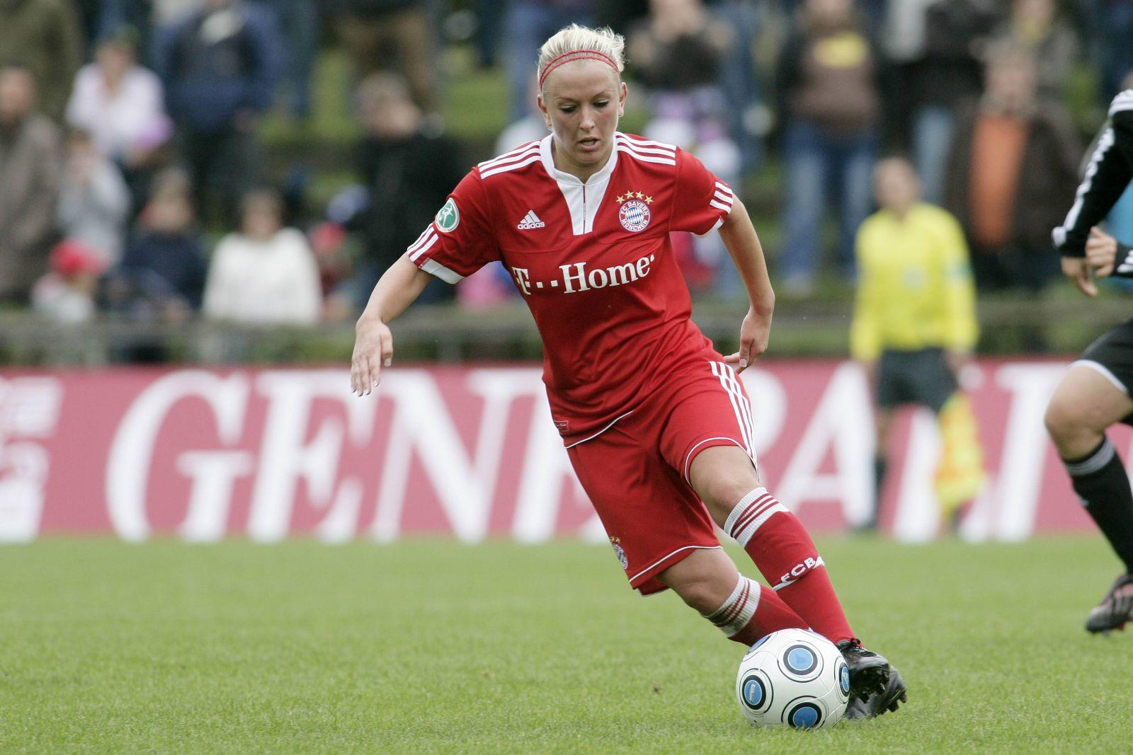 EINMALIGE VERWENDUNG Mandy Islacker/ FC Bayern München/ Frauen Fußball