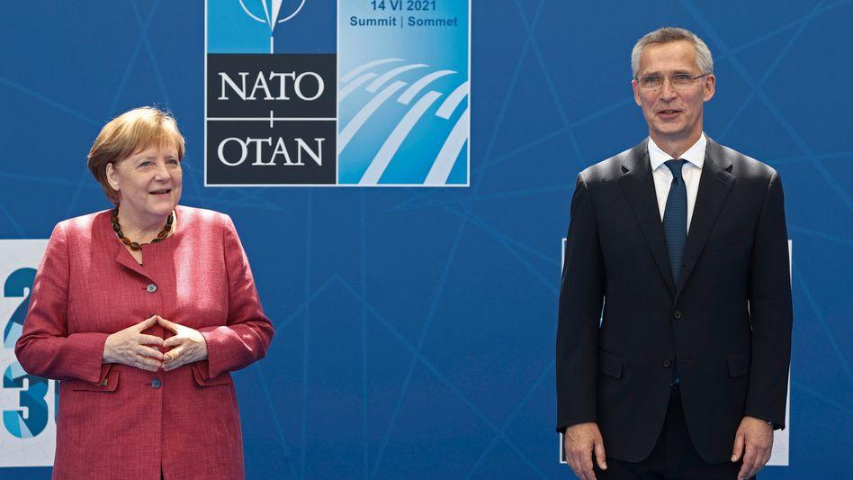 Bundeskanzlerin Angela Merkel, Nato-Generalsekretär Jens Stoltenberg in Brüssel