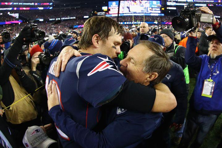 Tom Brady (l.) und Bill Belichick