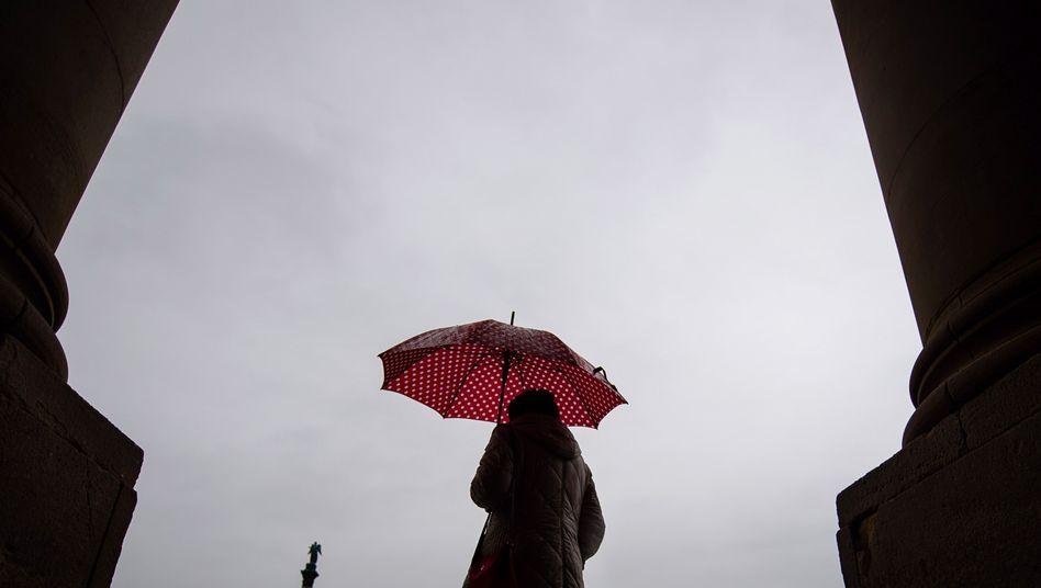 Schauerlich: Nehmt über Ostern den Schirm mit
