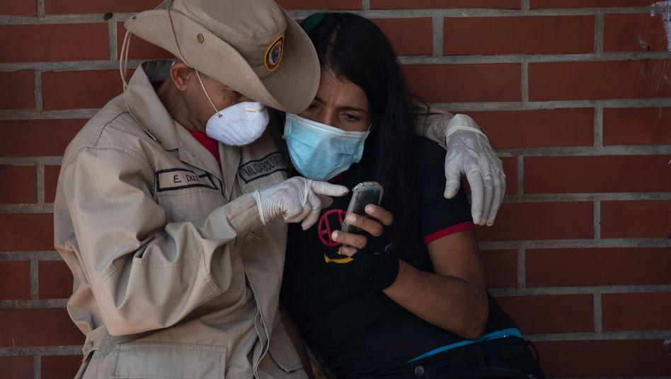 Militärangehöriger und Zivilistin in Venezuela