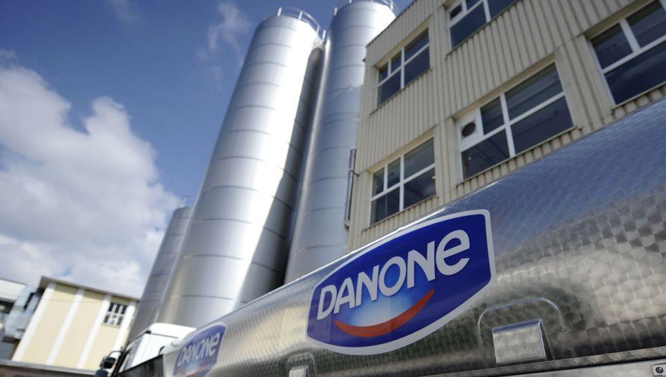Danone-Logo auf einem Kühlwagen: Ärger um Verpackung