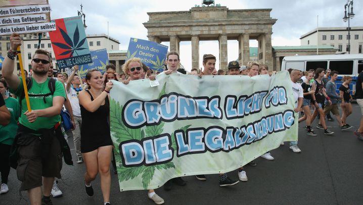 18. Hanfparade in Berlin: Zug um Zug für die Legalisierung