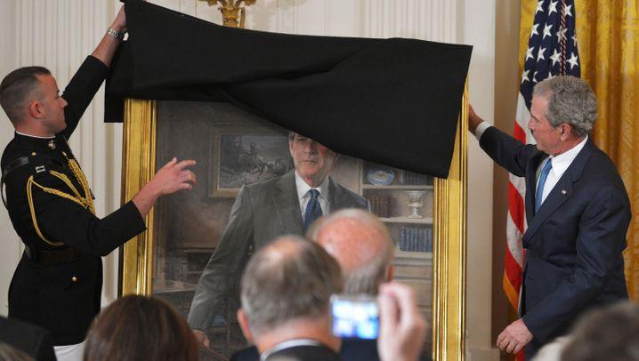 Ex-US-Präsident: Bush enthüllt Porträt im Weißen Haus