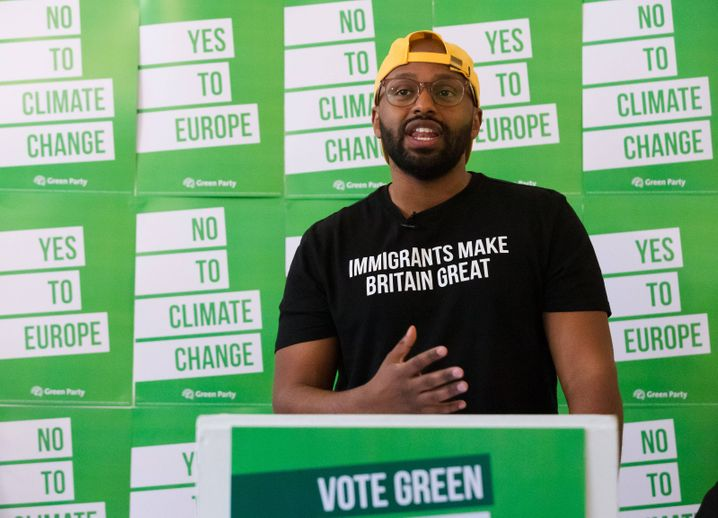 May 8, 2019 - London, London, UK - London, UK. MEP Green Party candidate for Yorkshire and Humber, Magid Magid speaking at the Green Party European election campaign launch, held at the Candid Arts Trust. London UK PUBLICATIONxINxGERxSUIxAUTxONLY - ZUMAl94_ 20190508_zaf_l94_003 Copyright: xVickiexFloresx