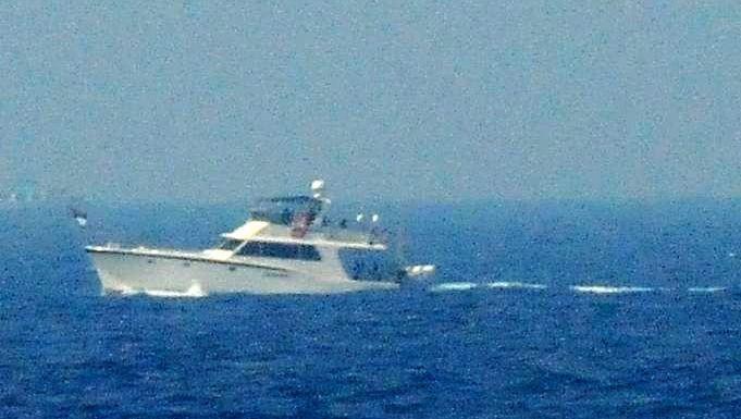 """Französische Yacht """"Dignité"""": 16 Aktivisten und Journalisten an Bord"""