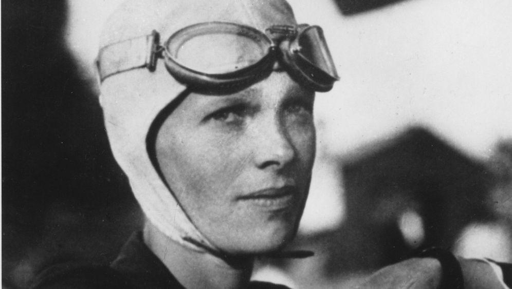 Amerikas Luftfahrt-Legende: Der geheimnisvolle Tod der Flugpionierin Amelia Earhart