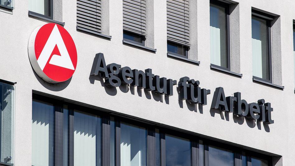 Arbeitsagentur in Stuttgart: Coronakrise treibt Arbeitslosigkeit nicht mehr in die Höhe - aber die Sommerflaute