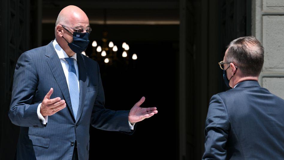 Der griechische Außenminister Nikos Dendias und der deutsche Außenminister Heiko Maas: Griechenland fordert, die Türkei zu sanktionieren
