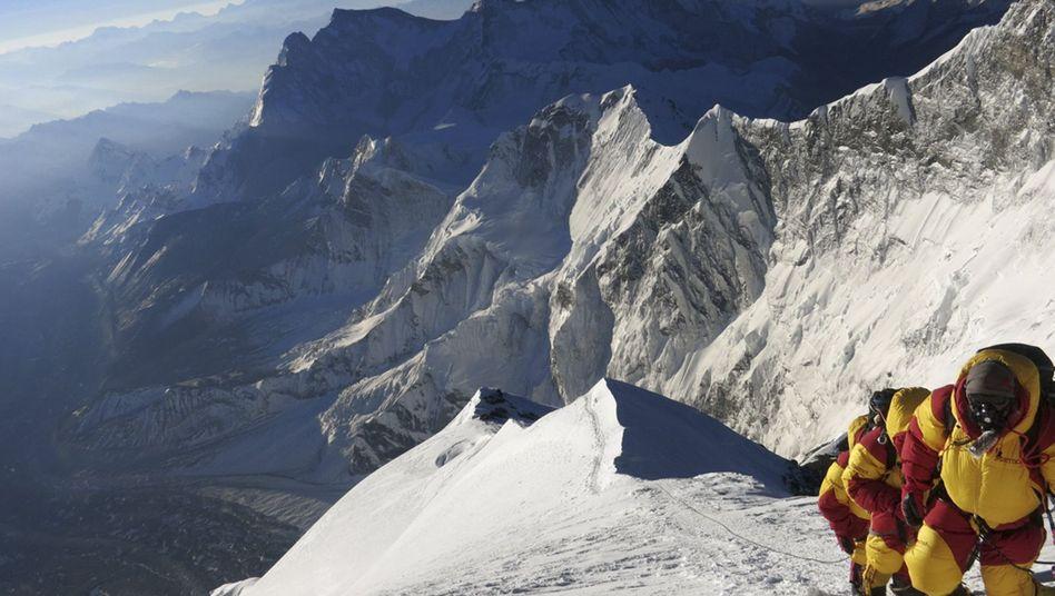 Aufstieg zum Mount Everest: Sicherere Route, aber schwieriger