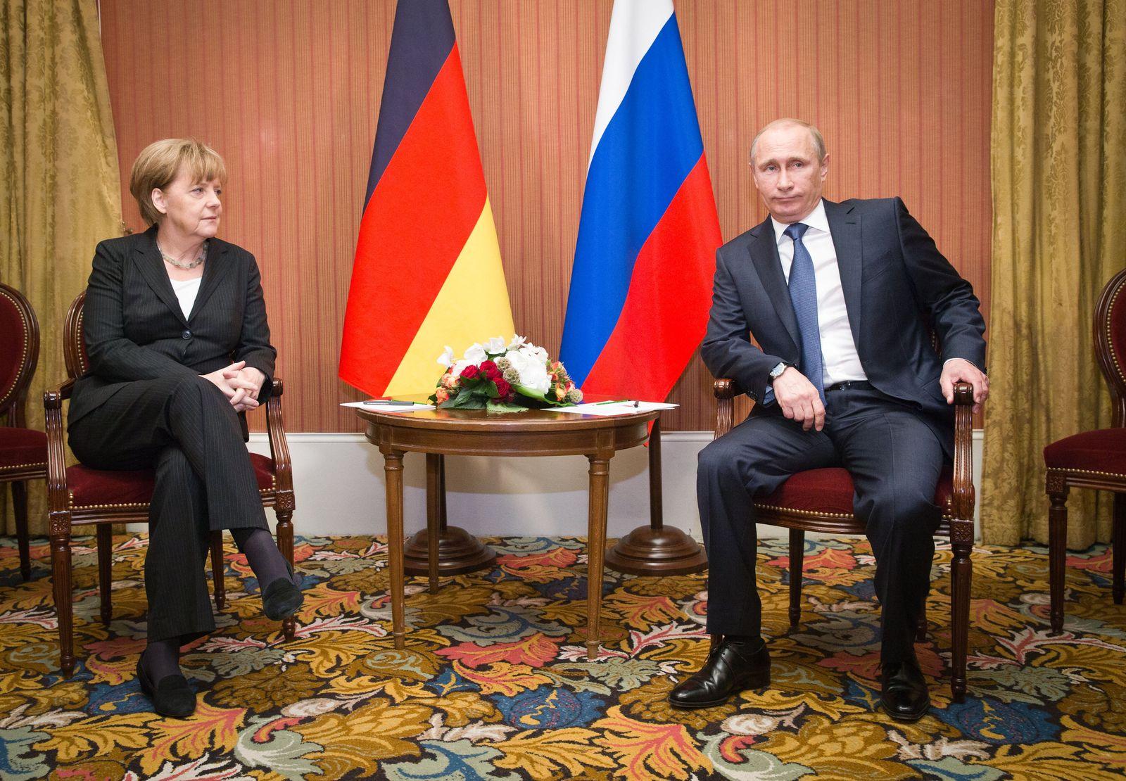 Putin/ Merkel/ D-Day