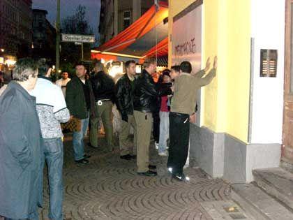 """Polizisten, festgenommene Jugendliche: """"Wie Schwerverbrecher behandelt"""""""