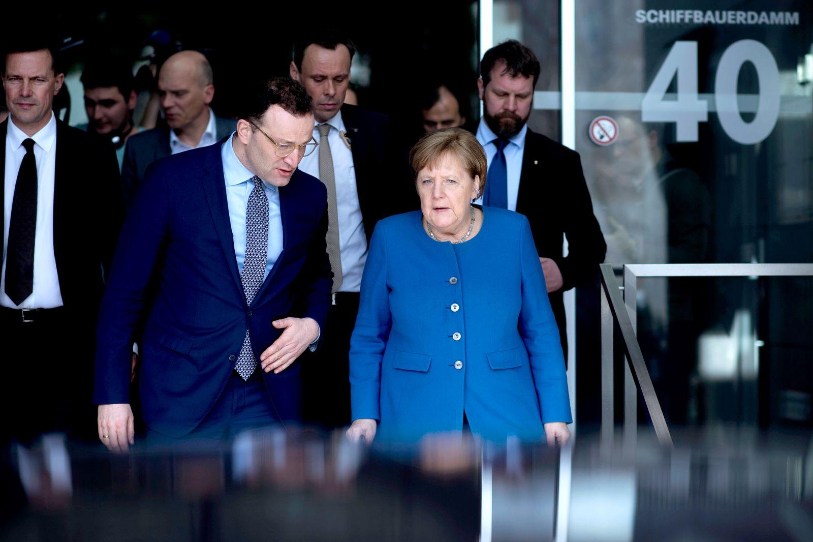 Jens Spahn, Angela Merkel - Coronavirus DEU, Deutschland, Germany, Berlin, 11.03.2020 Jens Spahn, Bundesgesundheitsminis