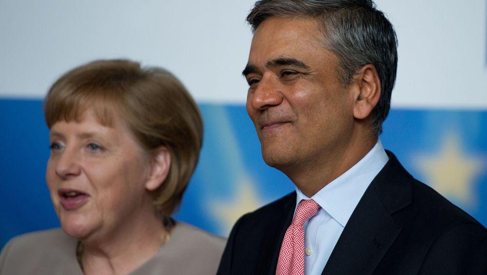 Kanzlerin Merkel, Deutsche-Bank-Chef Jain (Juni 2012): Einer von vier Bankern