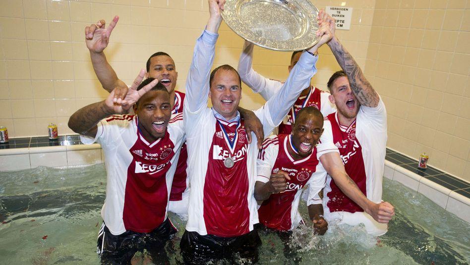 Ajax-Coach de Boer (Mitte): Dritte Meisterschaft als Trainer