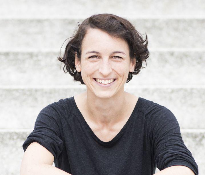 Natascha Wegelin ist 32 Jahre alt und lebt in Berlin.